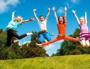 dziecki skaczące 2